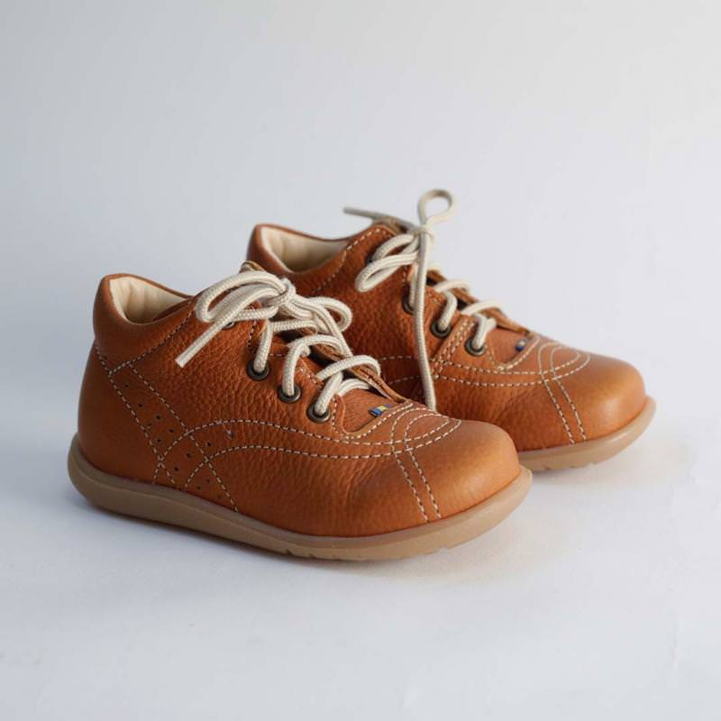 Edsbro Lauflernschuh light brown
