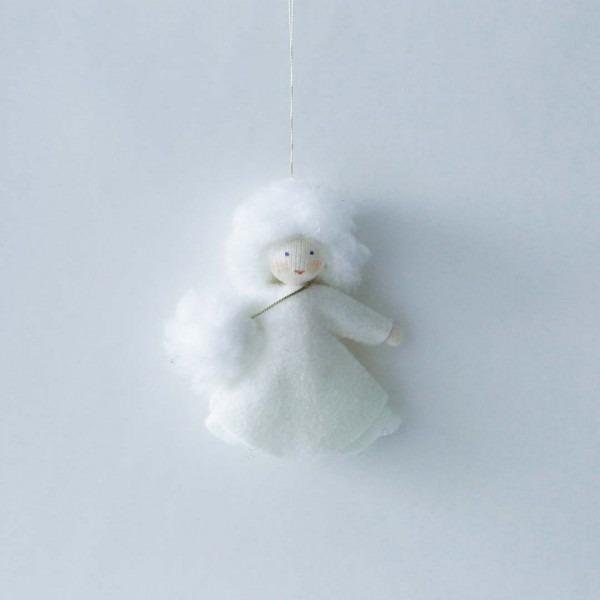Filzpüppchen Schneeflockenmädchen hängend