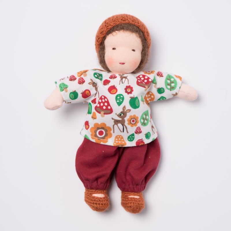 Puppen Junge nach Waldorfart klein braunes Haar