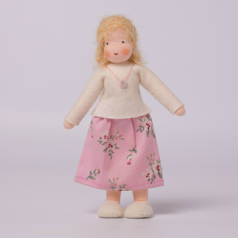 Puppenstuben Mama blondes Haar