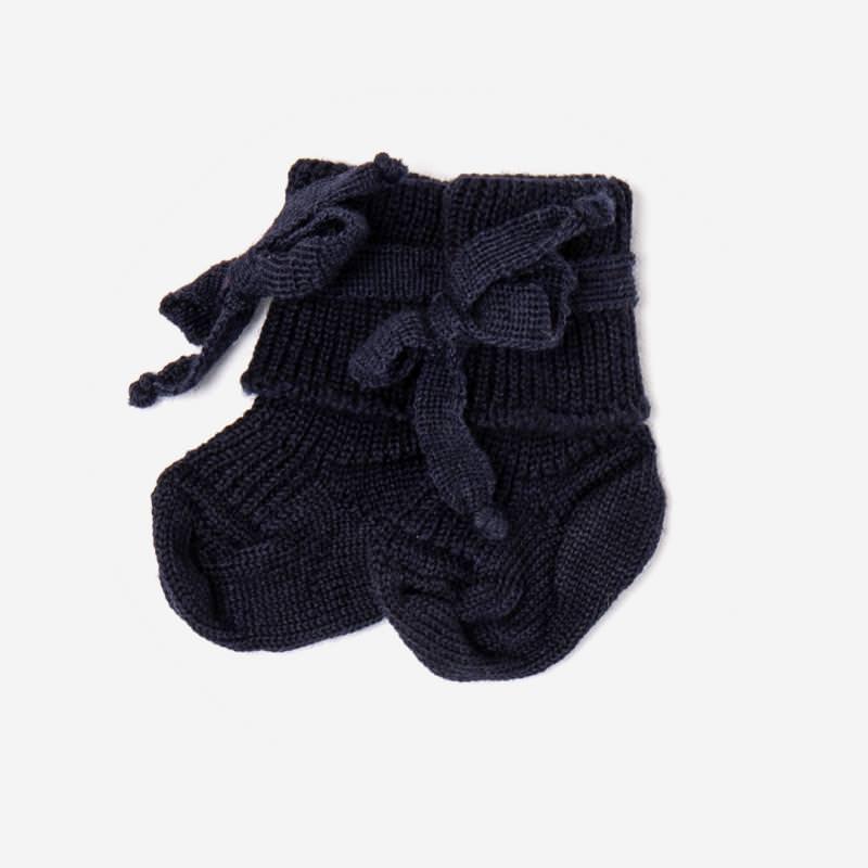 Baby Socke mit Schleife von Hirsch aus Wolle in marine