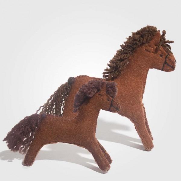 Filz Pferd rotbraun