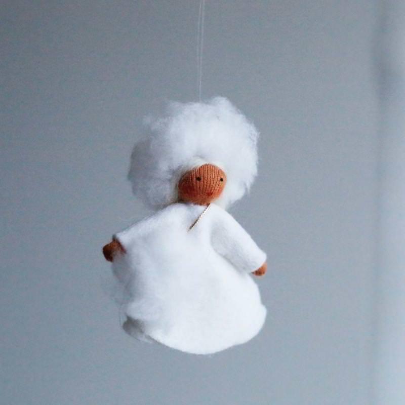 Filzpüppchen Schneeflocke hängend Julie