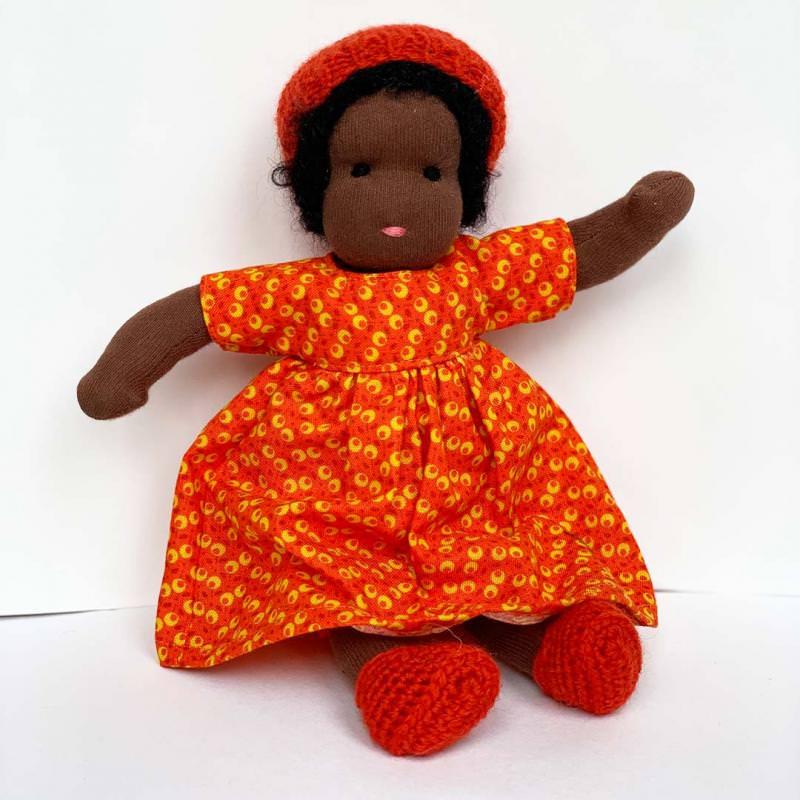 Puppen Mädchen nach Waldorfart klein schwarzes Haar