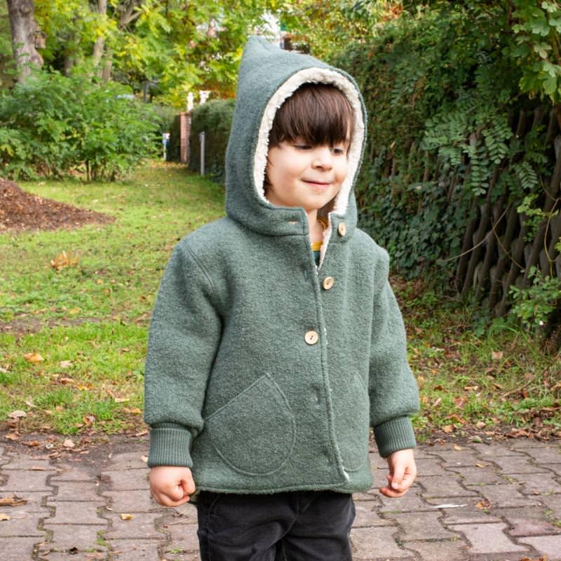 Kinder Zipfel-Jacke von Halfen aus Wollwalk und Teddyfutter in vomero olive 3 6