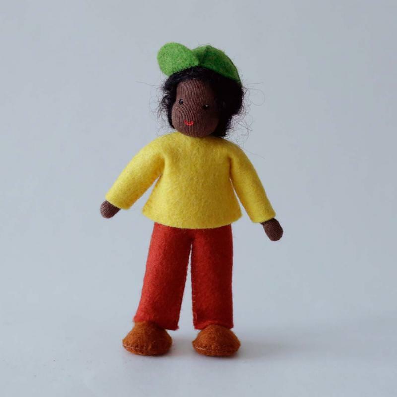 Puppenstuben Junge schwarzes Haar