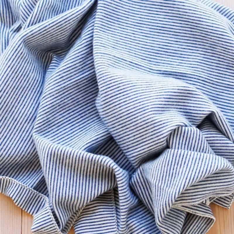 Babydecke Wolle/Seide Ringel marine