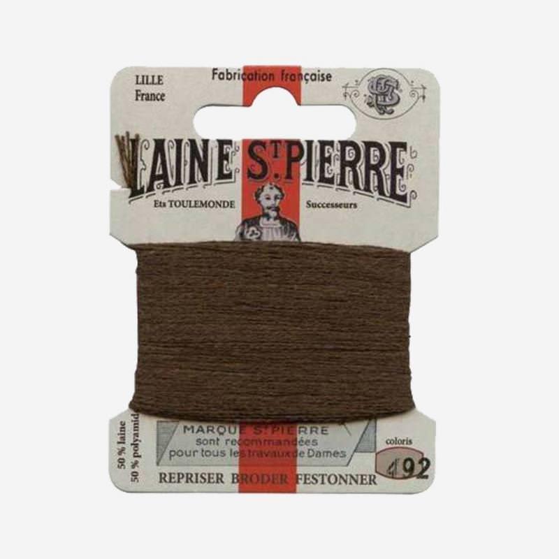 Stopfgarn von Laine Saint-Pierre in braun Farbnummer 492