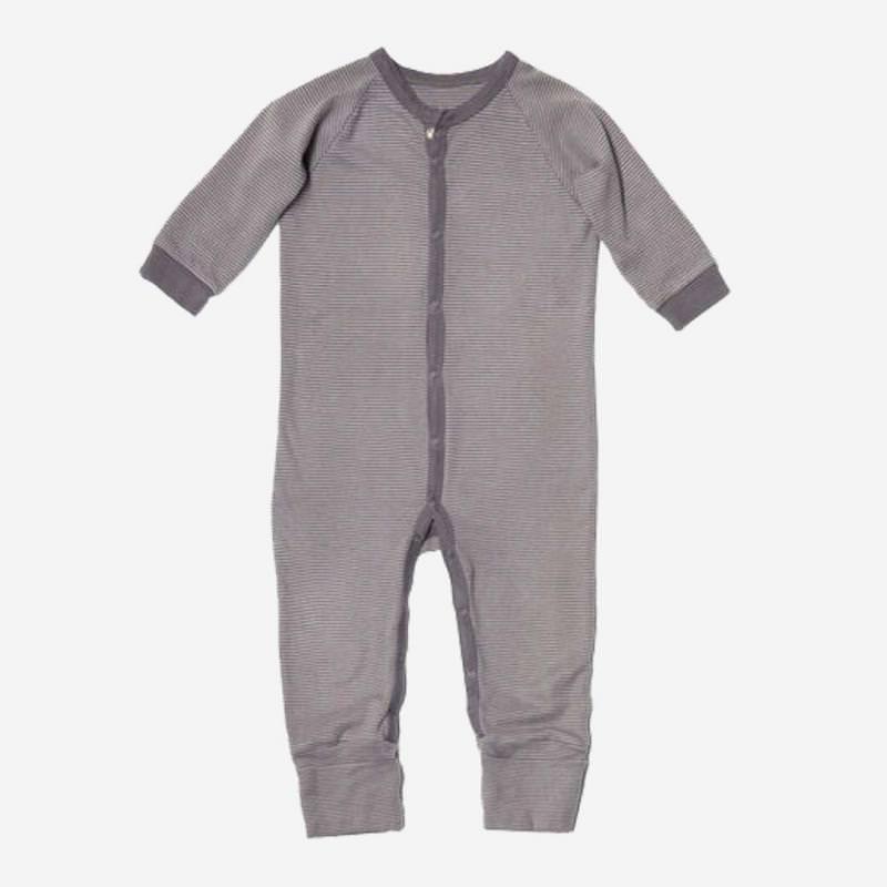 Baby einteiliger Schlafanzug aus Bio-Baumwolle von Living Crafts in grau Ringel