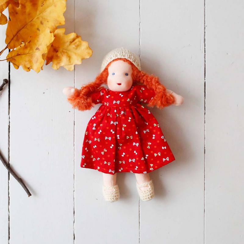 Puppen Mädchen nach Waldorfart klein rotes Haar